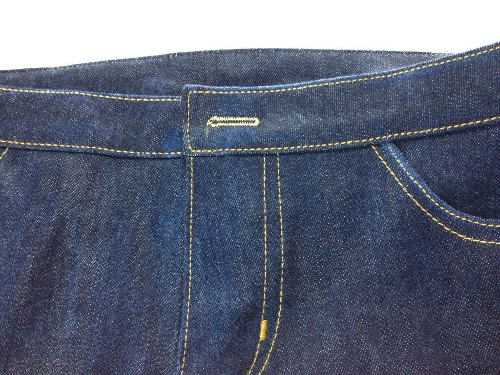 Liana Stretch Jeans Sewalong Day 9 Buttonhole